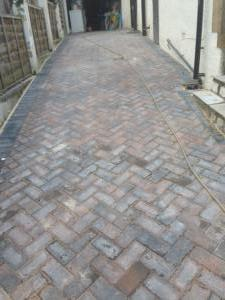 Herringbone set driveway